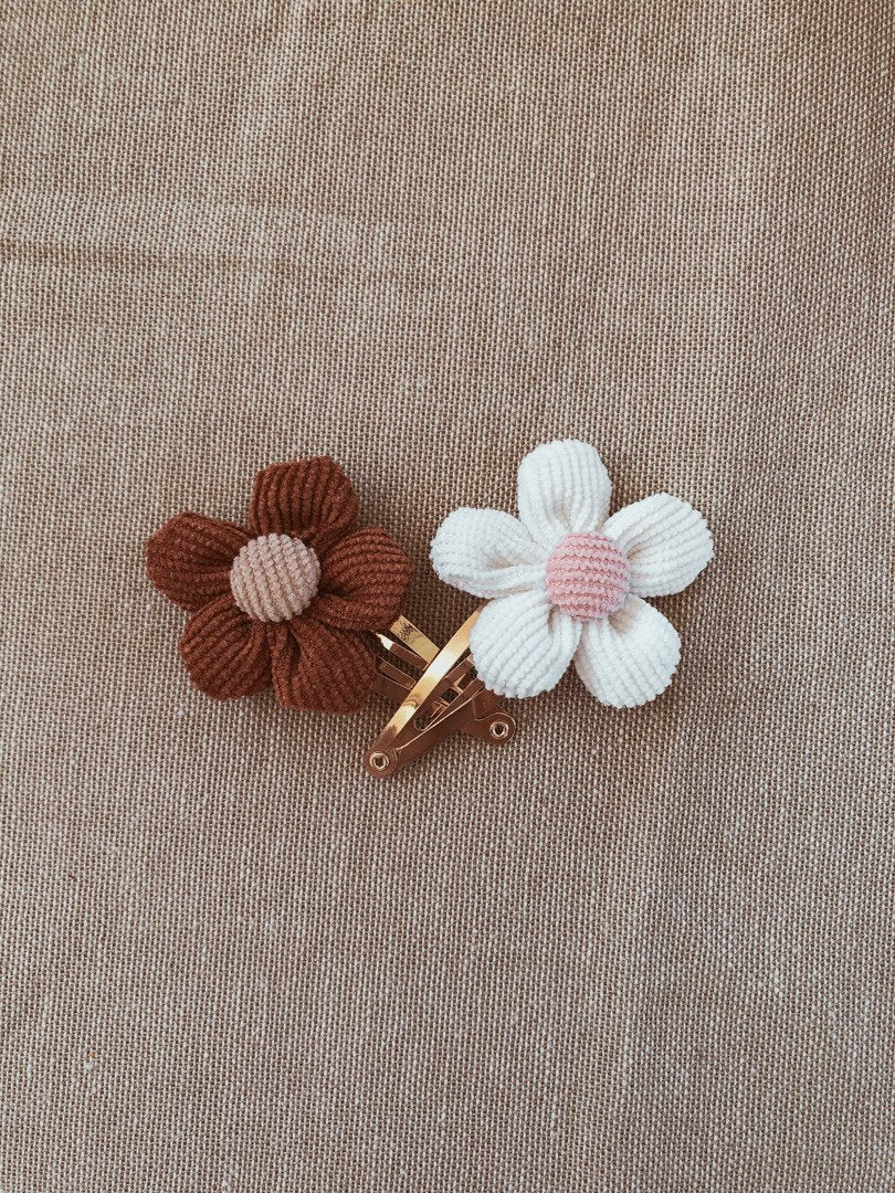 Holland and Mae Rust Flower Clip Set