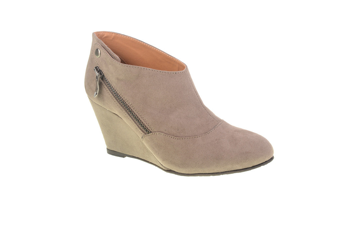 CL By Laundry Valerie Versatile Suede Wedge Ankle Bootie (Taupe) d2f82bcdd8