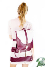 "Load image into Gallery viewer, Backpack ""MARIPOSA 2"" – Bordeaux & Pearl Pink"