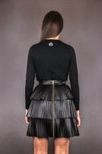 Load image into Gallery viewer, Pleated Skirt with Flounces in Imitation Leather 2.0 - black