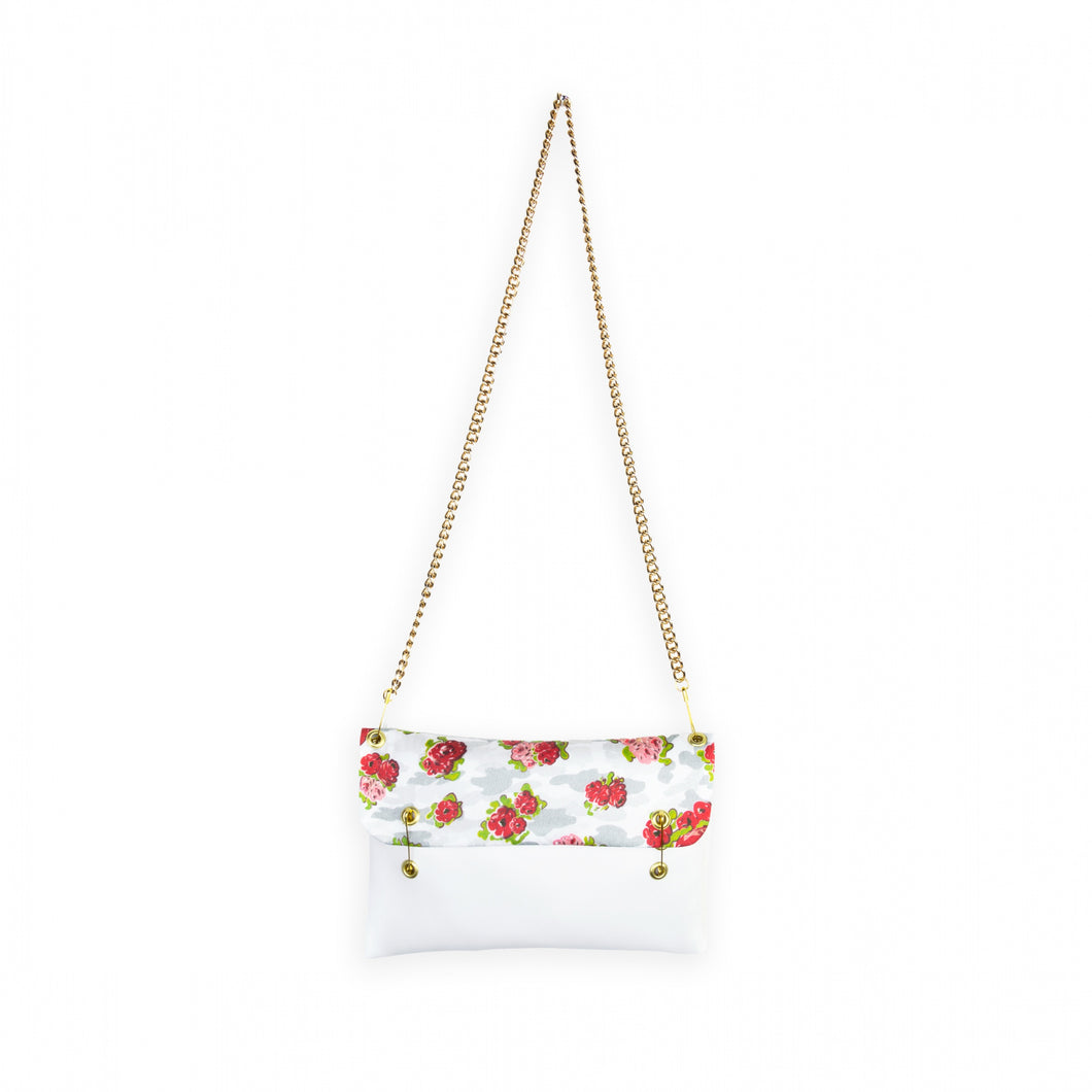 Clutch in Imitation Leather with Shoulder Chain - White