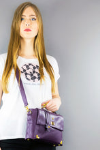 "Load image into Gallery viewer, Shoulder Bag ""VICTORIA"" - Purple"
