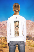 "Load image into Gallery viewer, Pullover ""PATCHWORK LEO"" - white"