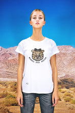 "Load image into Gallery viewer, Oversized Tee ""CARTOON LEO"" - white"