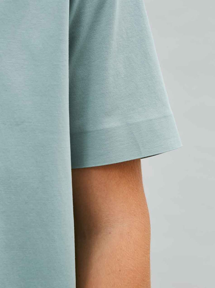 Organic Relaxed Tee in Sea Sleeve