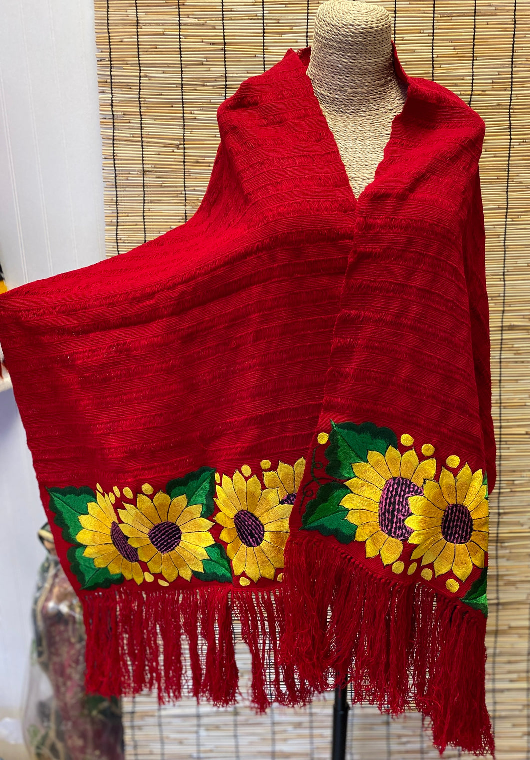 Shawl with flowers/Reboso con flores