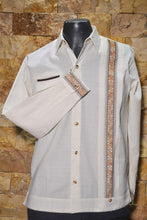 Load image into Gallery viewer, Guayabera Calderon con Puno