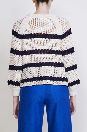 Merel Crew Neck- Creme and Navy