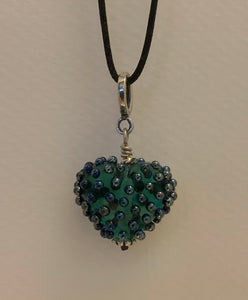 Dotted heart pendant