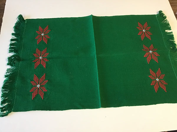 Christmas Placemats Green Poinsettia