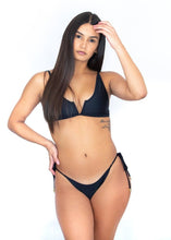 Load image into Gallery viewer, Hanalei Bikini V Top X Black