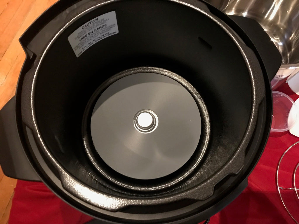 cleaning the inner case of your pressure cooker