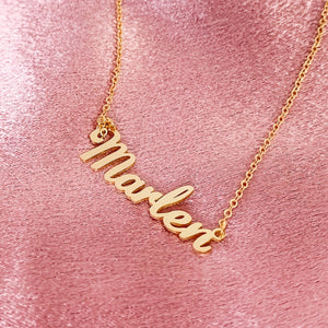 LIVELY NAME NECKLACE