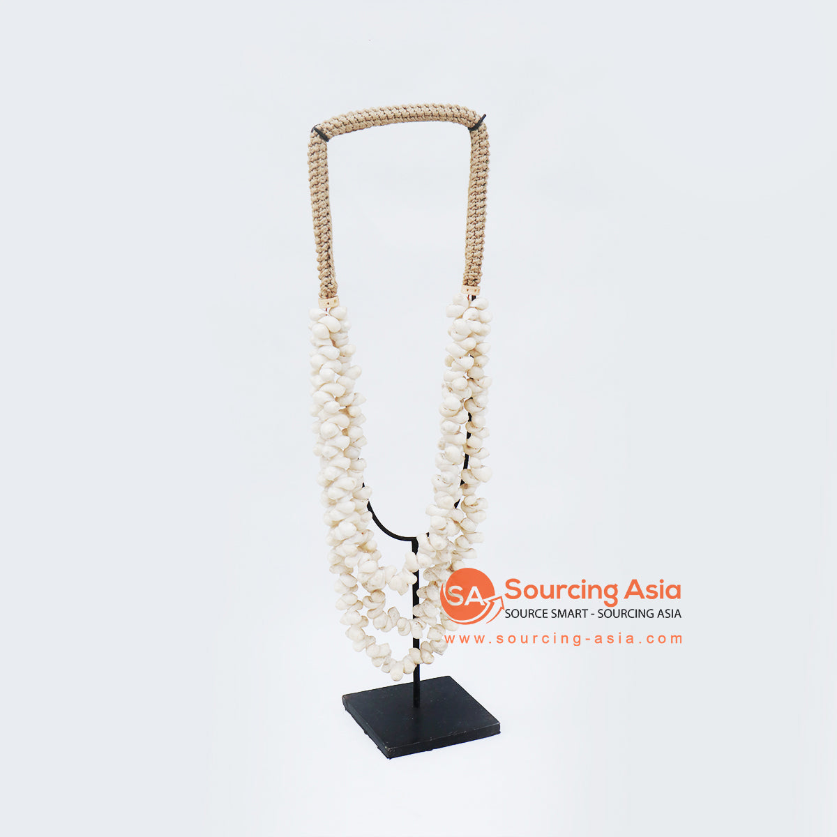 KNTC075 PAPUA SHELL NECKLACE ON STAND