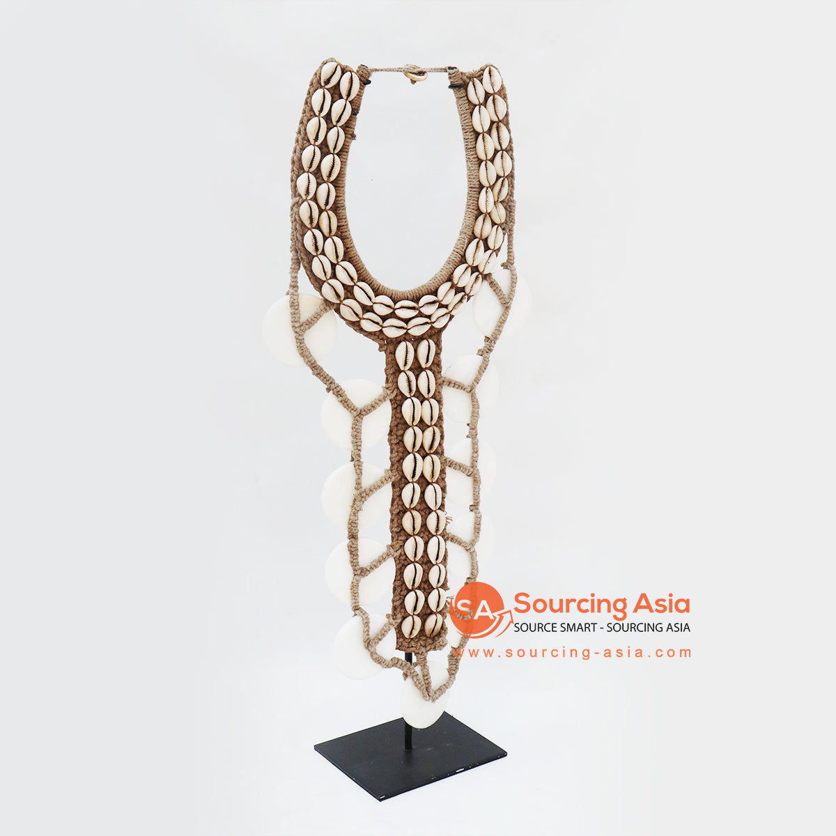 KNTC081 PAPUA SHELL NECKLACE ON STAND
