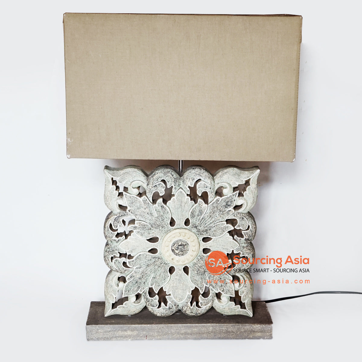 MANC088 CARVED TABLE LAMP WITH LAMP SHADE
