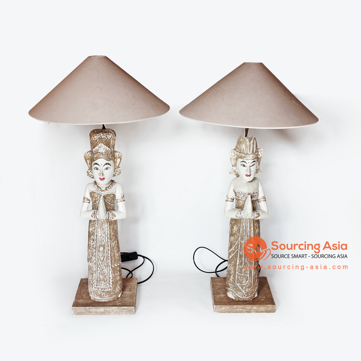 MANC092 SET OF 2 BALINESE COUPLE LAMPS WITH LAMP SHADE