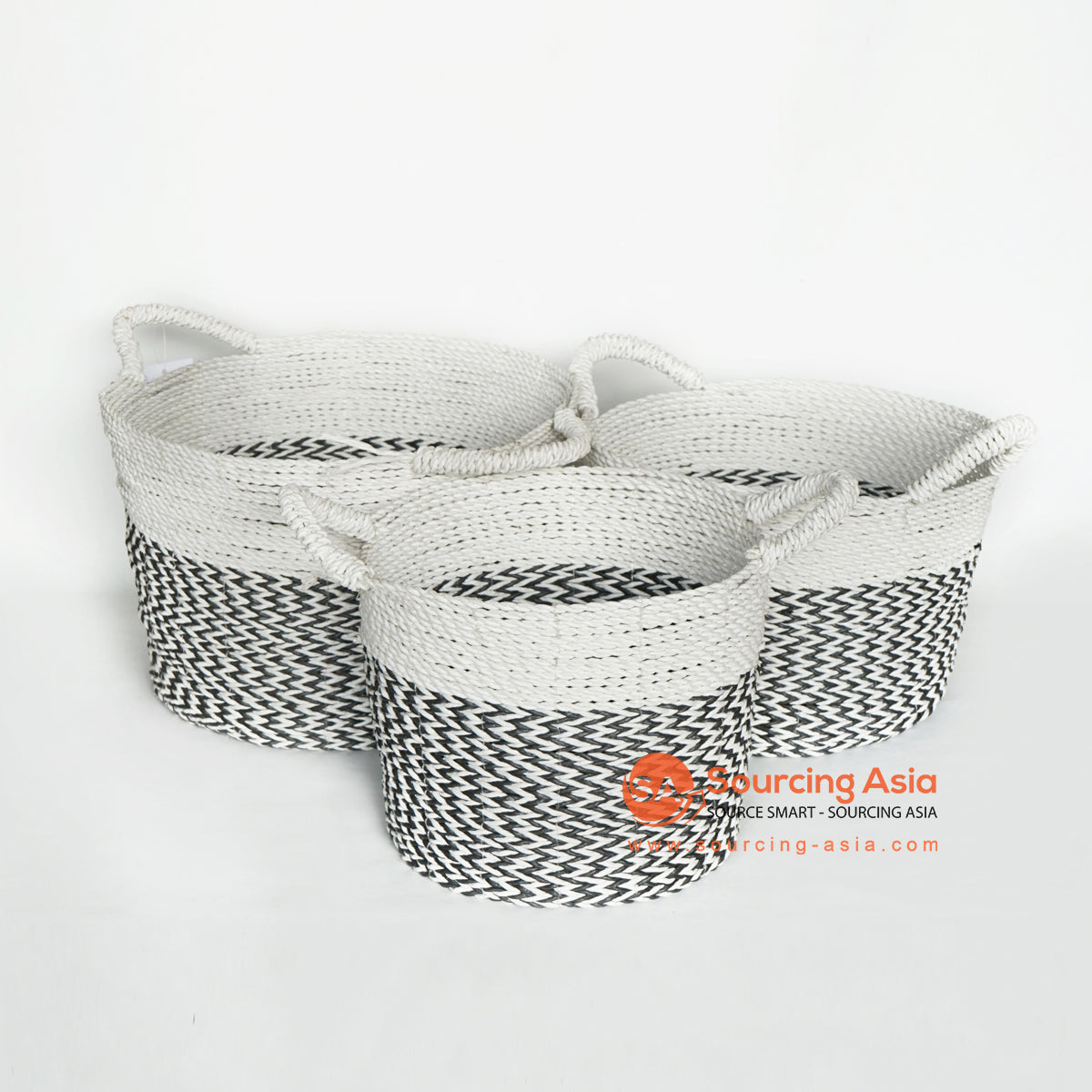 MRC131 SET OF TWO BLACK AND WHITE RAFFIA BASKETS WITH HANDLE