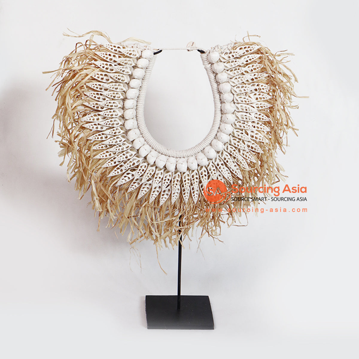 PDL009 NECKLACE WITH SHELL ON STAND