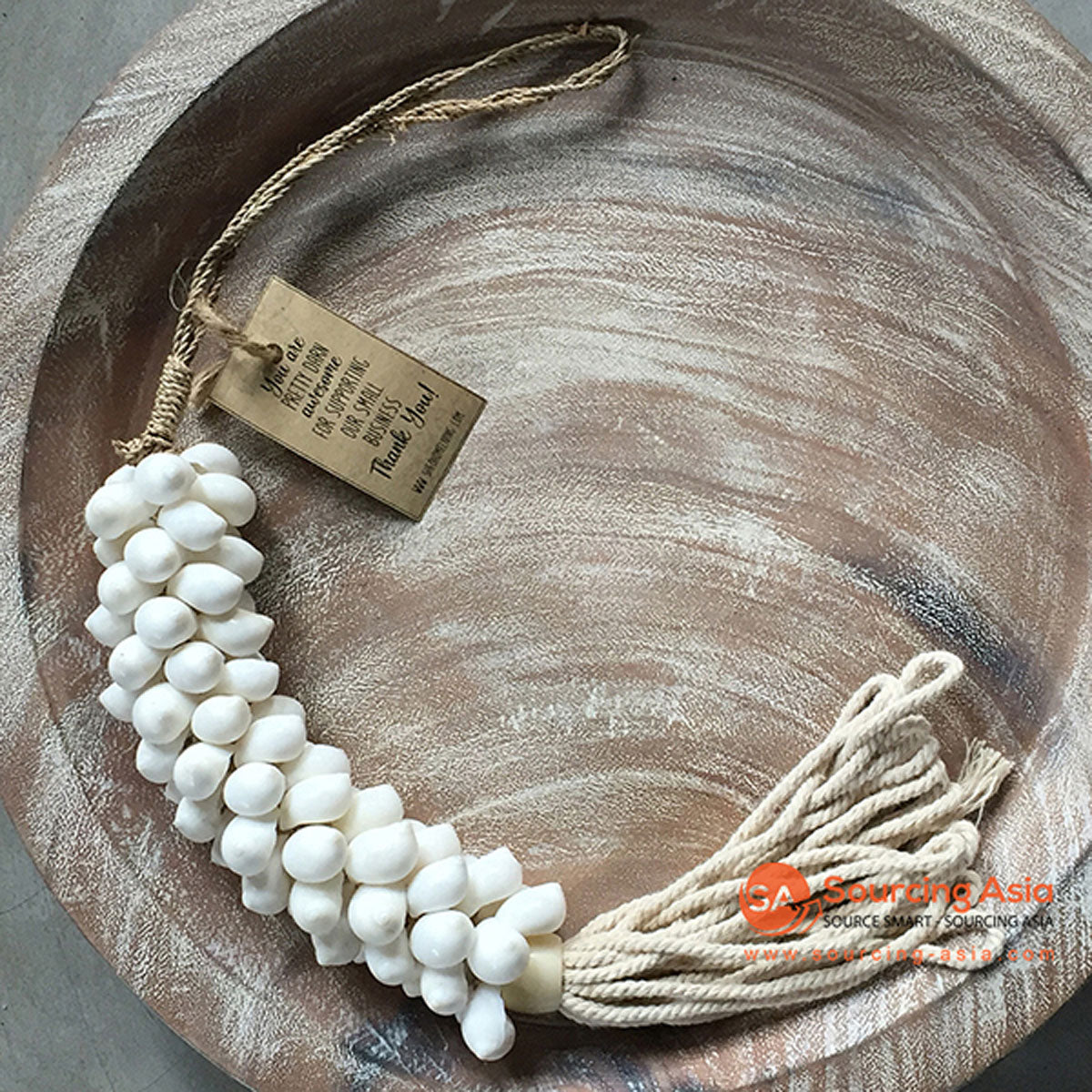 SHL047-10 NATURAL COWRIE SHELL DECORATIVE TASSEL WITH MACRAME YARN