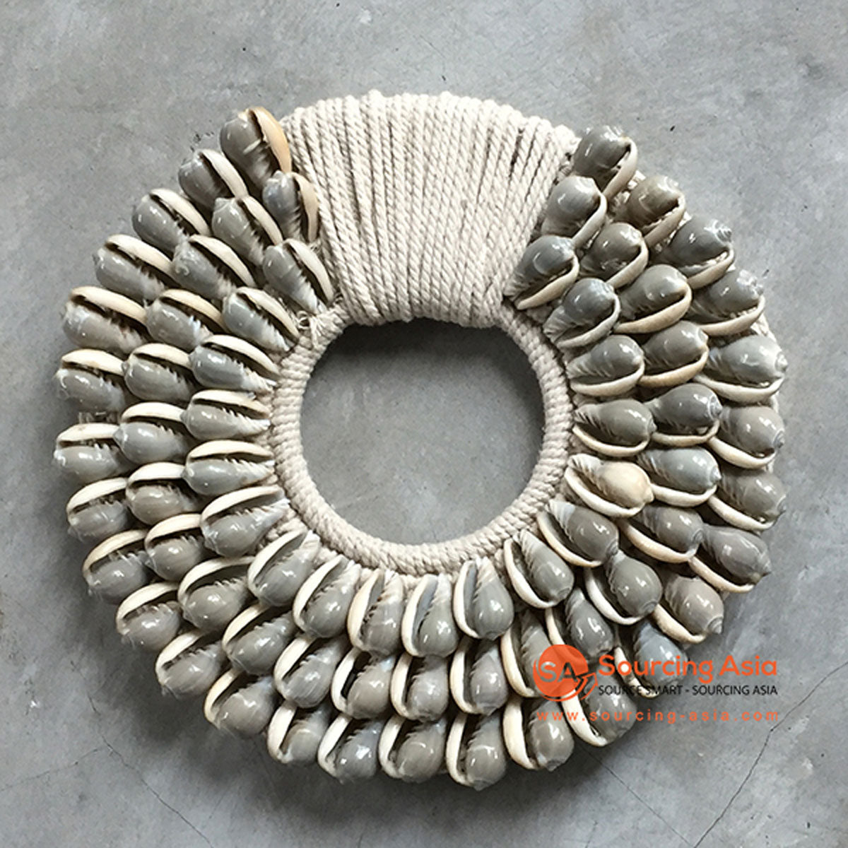 SHL068-3 GREY SHELL ROUND HANGING WALL DECORATION