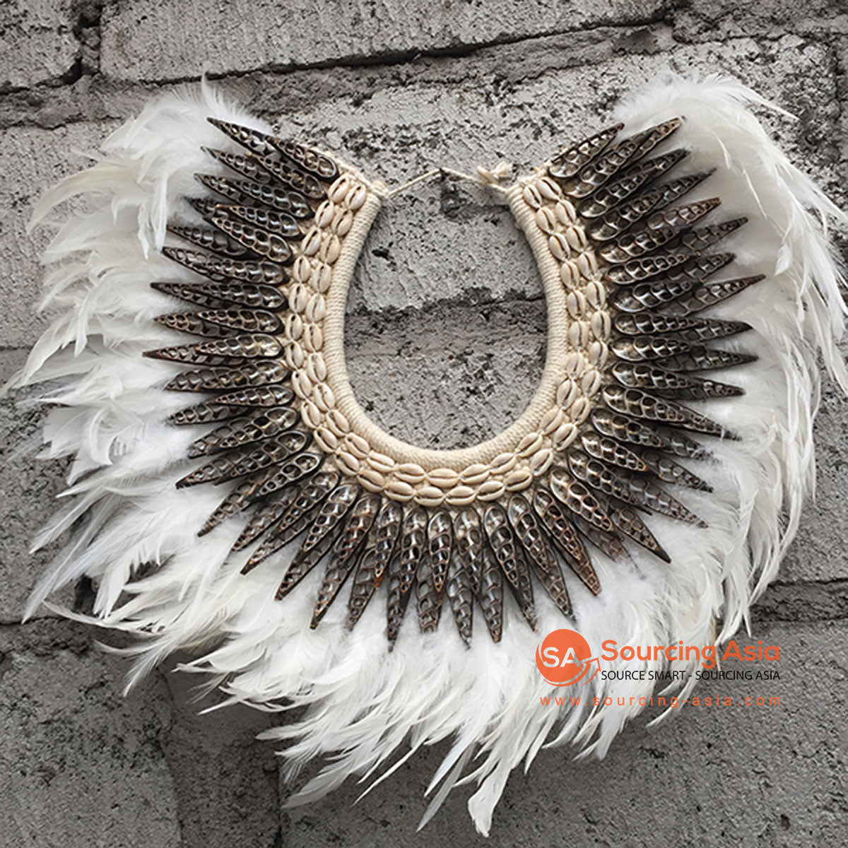 SHL068 WHITE FEATHER AND BLACK SHELL NECKLACE HANGING WALL DECORATION