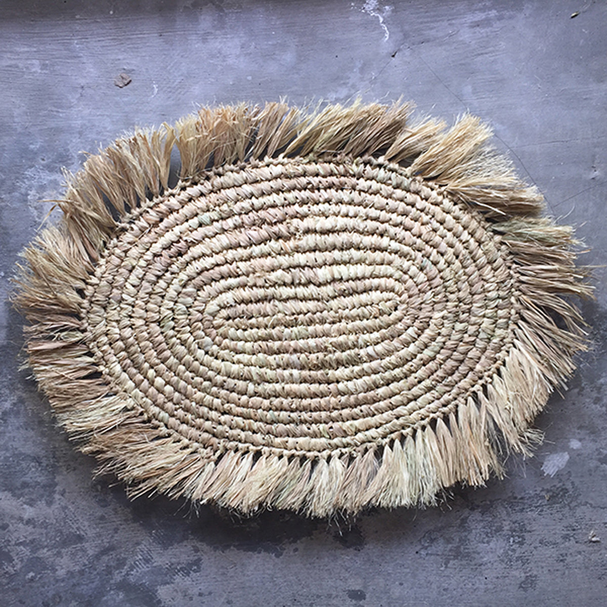 SHL187-2 NATURAL OVAL RAFFIA PLACEMAT