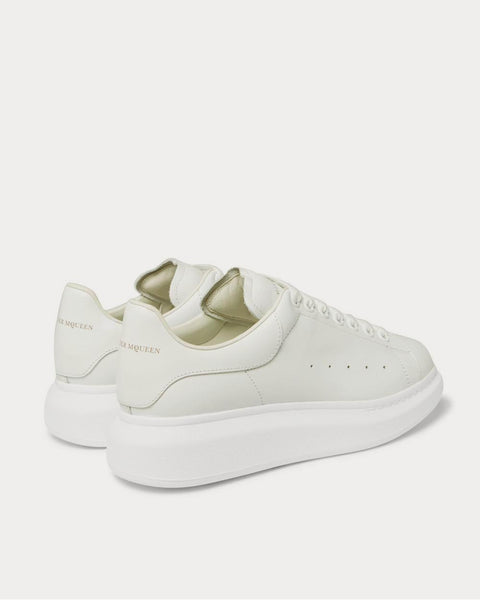 Exaggerated-Sole Leather  White low top sneakers