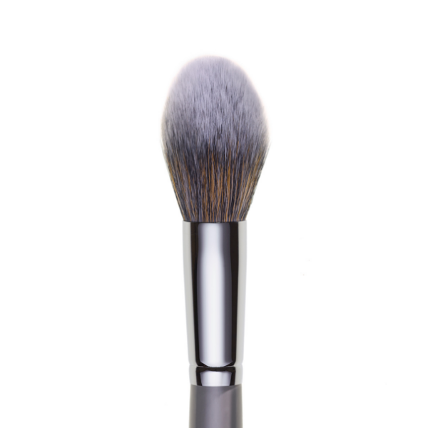 ilo121- TAPERED POWDER BRUSH