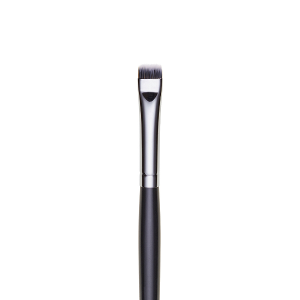 ilo15- SYNTHETIC TAPERED FLAT CONCEALER BRUSH