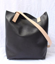 Poltrona Asha Bag, designed and made in Australia
