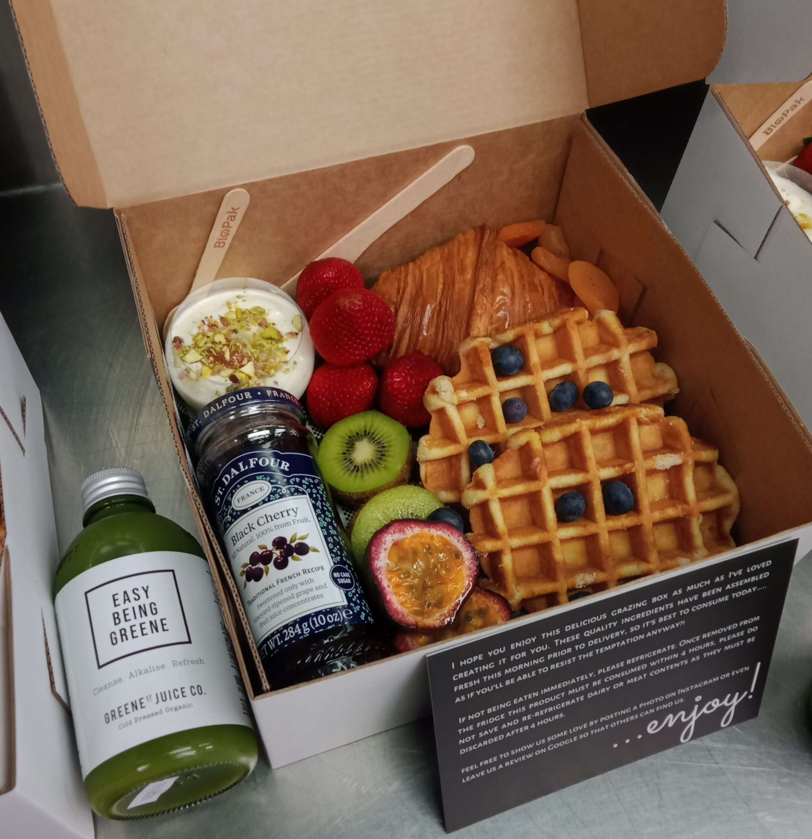 corporate_breakfast_box_custom