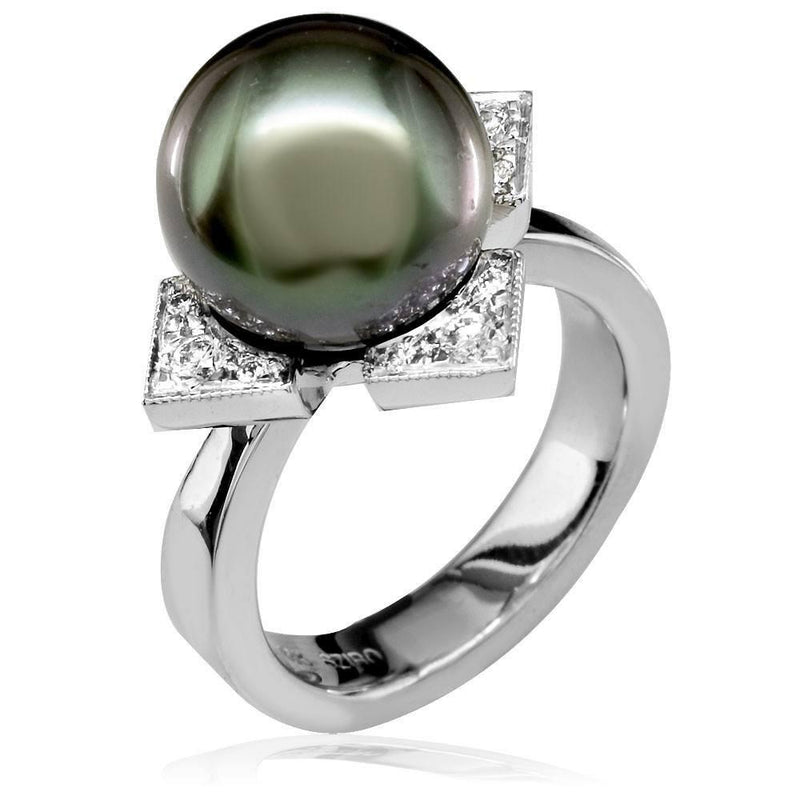 Black Tahitian Pearl Ring in 18K