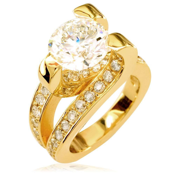 Diamond Claw Ring in 18K