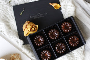 6 pieces Madagascar Vanilla Canele Gift box