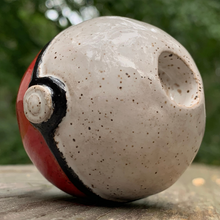 Load image into Gallery viewer, Pokeball Pipe