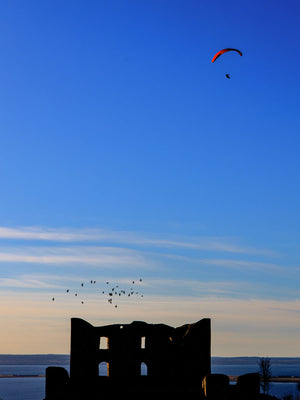 A paraglider over Brahehus 30*40 cm - Limited edition of 200