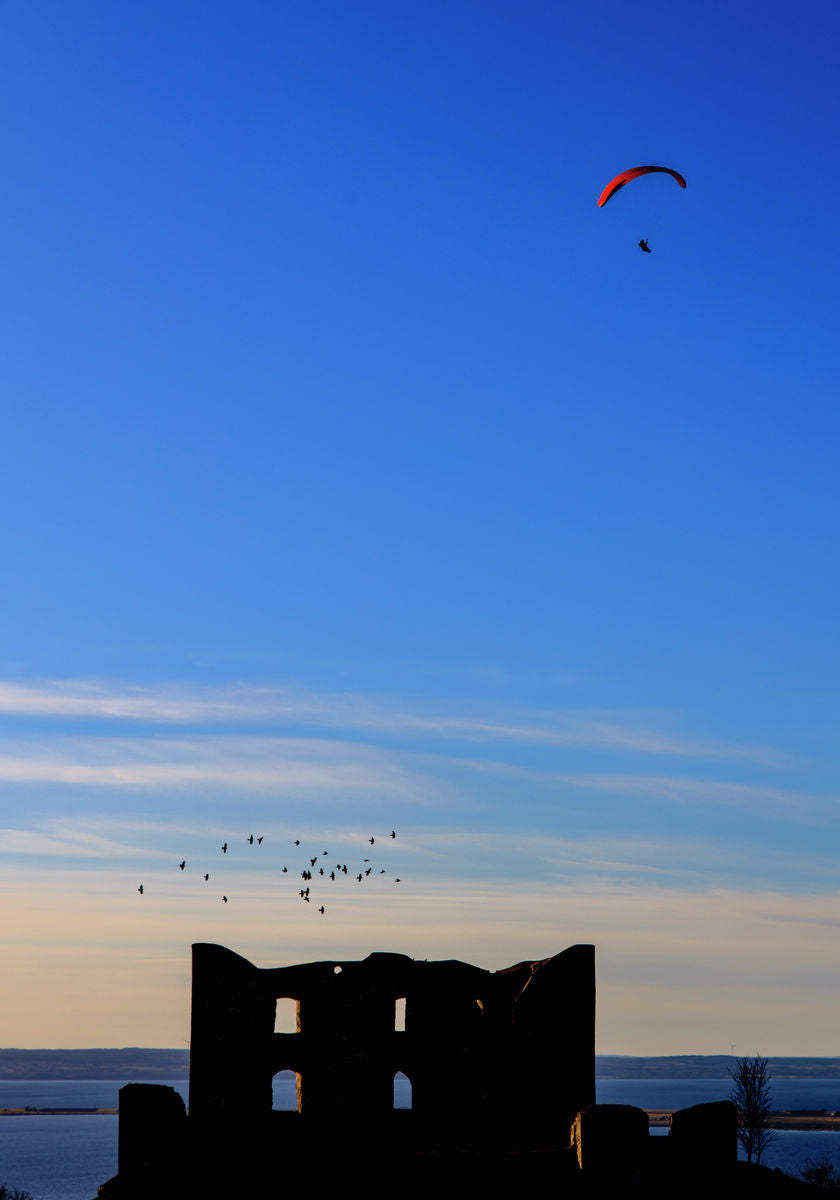 A paraglider over Brahehus 70*100 cm - Limited edition of 50
