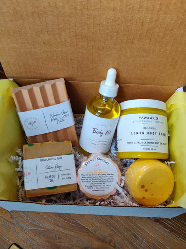 Pamper your mom or a yourself to a gift set of our skin loving handmade treats. The theme of this set is centered around Lemon.