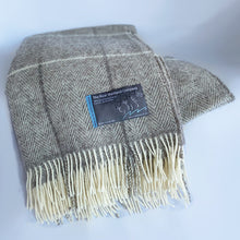 Load image into Gallery viewer, Shetland Wool Lerwick Throw