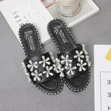 Women Slipper Rivet Fashion Slip On Flip Flops Beach Slippers Flat Sandals Flat Heel Sippers Outdoor Slides Lady Casual Shoes