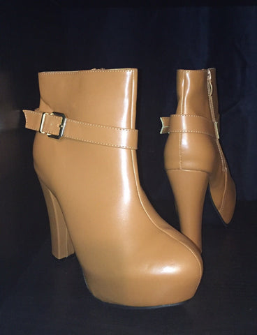 GSS1119 Block Heel Ankle Boot and Buckle Detail