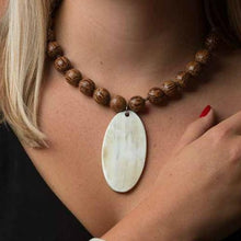 Load image into Gallery viewer, Large Oval Necklace