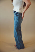 Load image into Gallery viewer, High Rise Bella Jeans