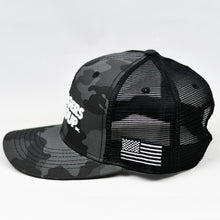 Load image into Gallery viewer, Midnight Black Camo Slight-Curve Flat-Bill Snap-Back Trucker