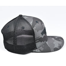 Load image into Gallery viewer, Midnight Black Camo Slight-Curve Flat-Bill Snap-Back Air-Mesh Trucker