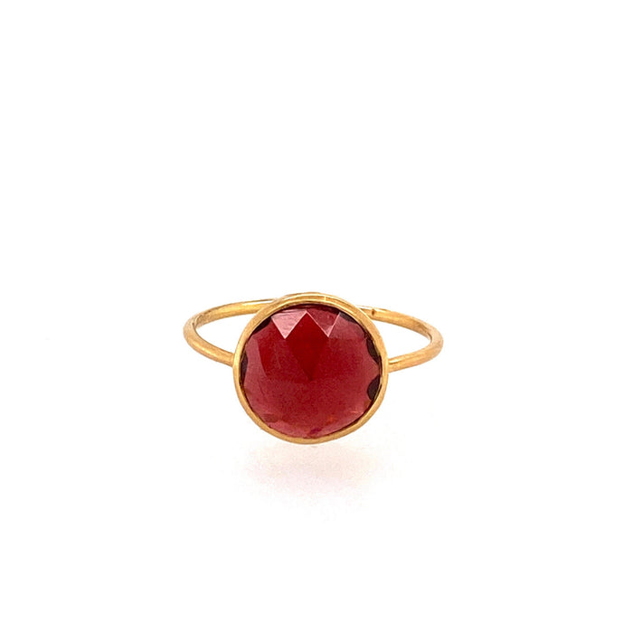 Round Garnet Ring in Yellow Gold