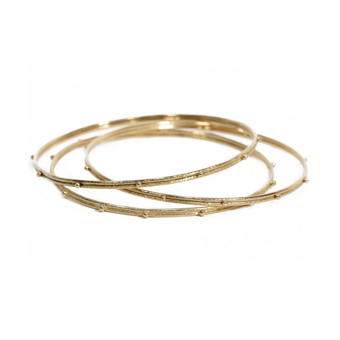 Old World Suena Bangle in Yellow Gold