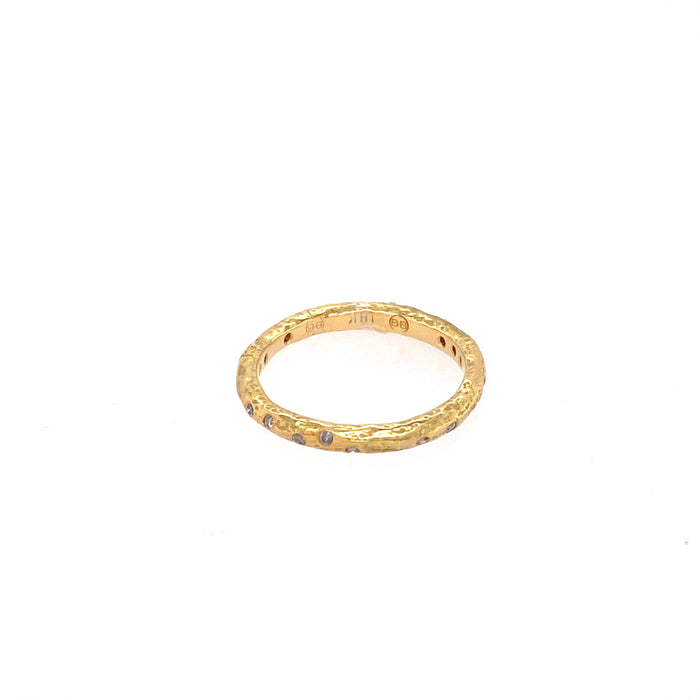 Hammered Band with Silvermist Diamonds in Yellow Gold