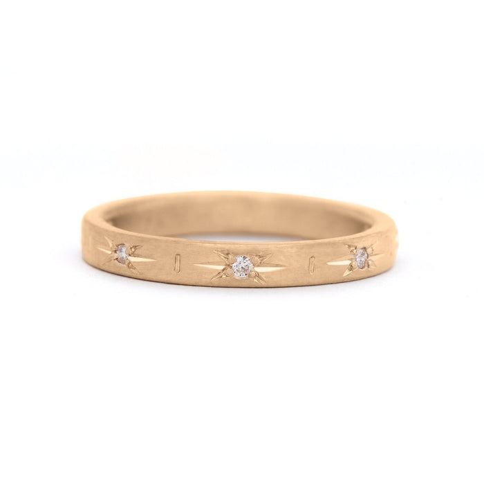 Diamond Star Set Luna Band in Yellow Gold